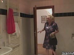 Granny Showering And Fucking