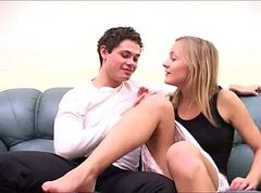 AMATEUR RUSSIAN TEEN COUPLE