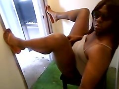 Eboni crossdresser pissing
