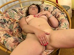 horny housewife fingering herself