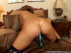 Naughty Chick Uses Her Vibrator